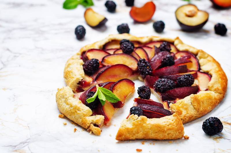 Seasonal Fruit Crostata - CookinGenie